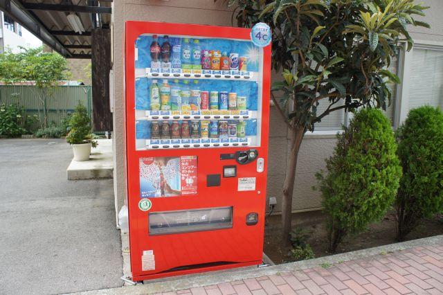 赤い自販機